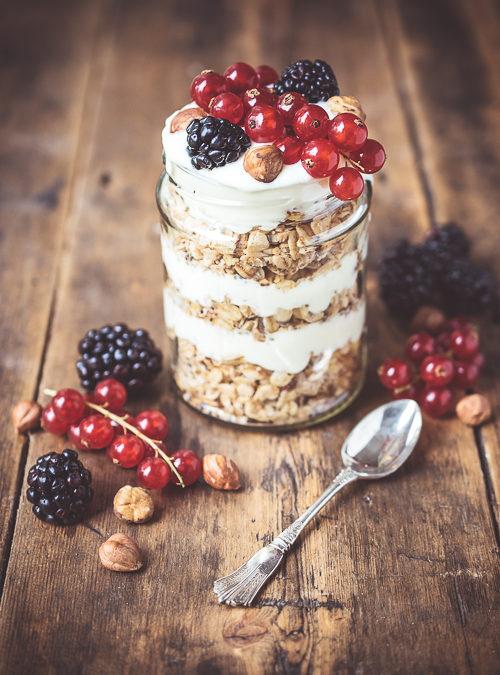 Layered Granola, Yoghurt and Berries