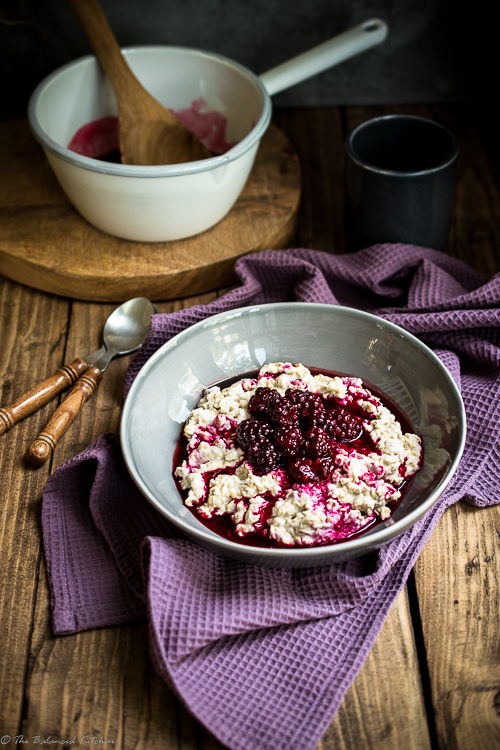 Creamy Oats with Blackberry and Vanilla Compote