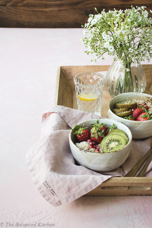 Coconut Quinoa Porridge with fresh Strawberries & Kiwi