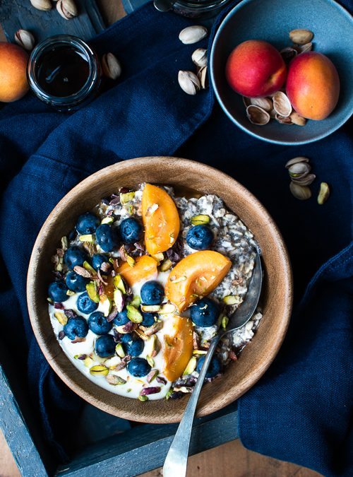 Vanilla, Apricot, Blueberries & Pistachios with Oats & Chia