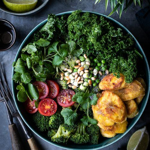 vegan, buddha bowl, greens, kale, watercress, peas, broccoli, pinenuts, plantain, apple cider vinegar, tomatoes