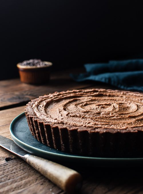 Vegan Chocolate Mousse Tart (Easy recipe, only 4 steps)