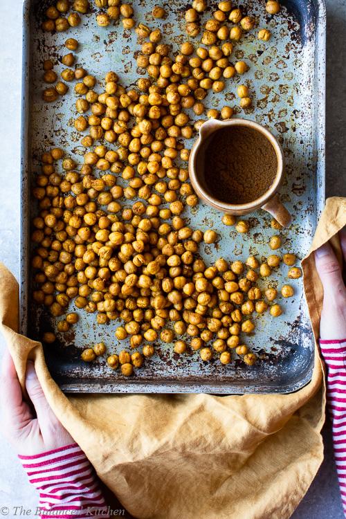 Spiced Crunchy Baked Chickpeas