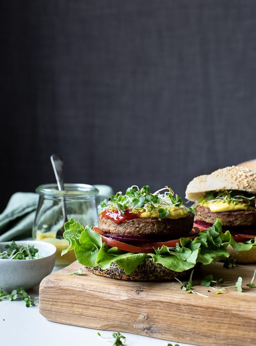 Vegan Burger with Alfalfa Sprouts, Curried Mayo & Salad