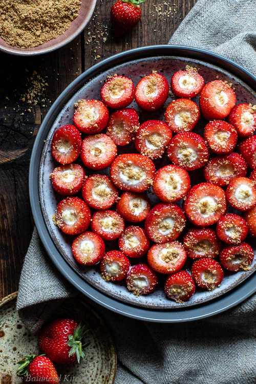 3 ingredient Ginger Nut & Vanilla Cream Stuffed Strawberries