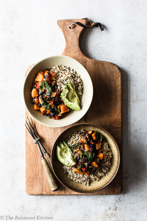 Mexican Black Bean Chilli with Molasses, Quinoa & Avocado